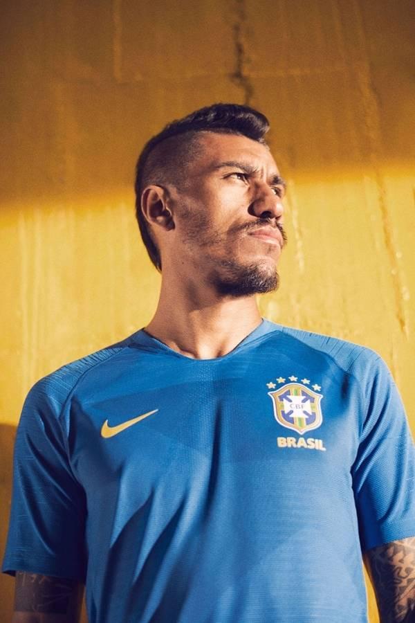7b77c05c9b7d3 Camisa da seleção brasileira para a Copa de 2018 é divulgada - Fotos ...