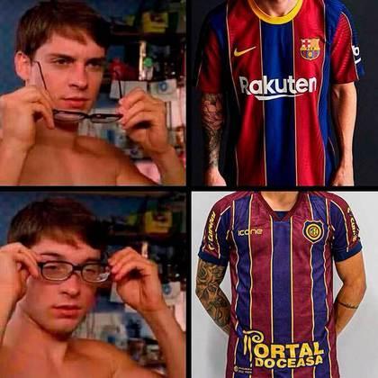 Camisa do Barcelona para temporada 2020/2021 foi comparada à camisa do Madureira (Julho/2020)