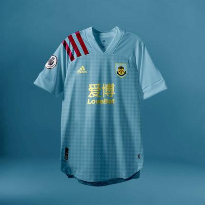 Camisa do Burnley com Adidas (fornecedora atual: Umbro)