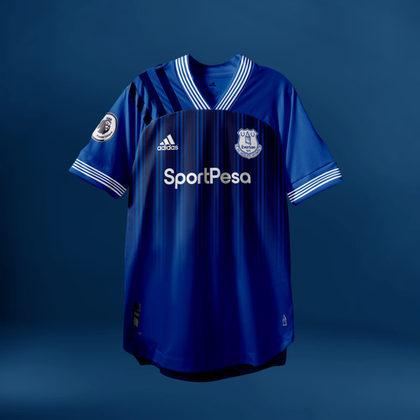 Camisa do Everton com Adidas (fornecedora atual: Umbro)