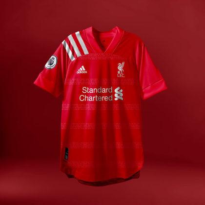 Camisa do Liverpool com Adidas (fornecedora atual: New Balance e trocando para Nike)