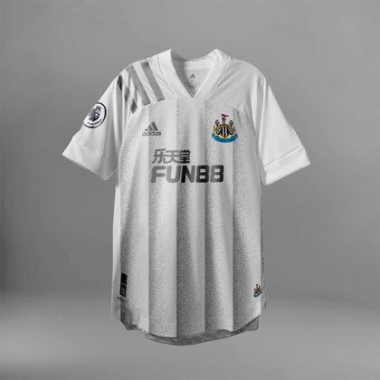 Camisa do Newcastle com Adidas (fornecedora atual: Puma)