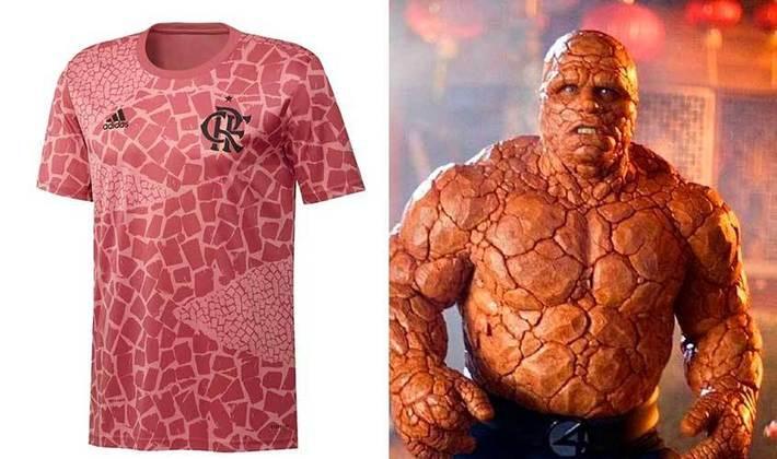 Camisa pré-jogo do Flamengo, no clima do Outubro Rosa, foi comparada ao Coisa, do filme Quarteto Fantástico (Outubro/2020)