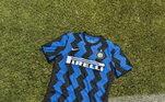 Já na Itália, a Inter de Milão trouxe as cores tradicionais do clube, mas com as listras diferentes das habituais