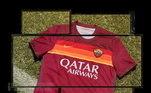 A Roma mostrou a camisa na cor bordô com listras no peito na cor vermelho, amarelo e laranja