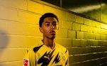 OBorussia Dortmund lançou sua camisa com um estilo: um raio preto corta o fundo amarelo