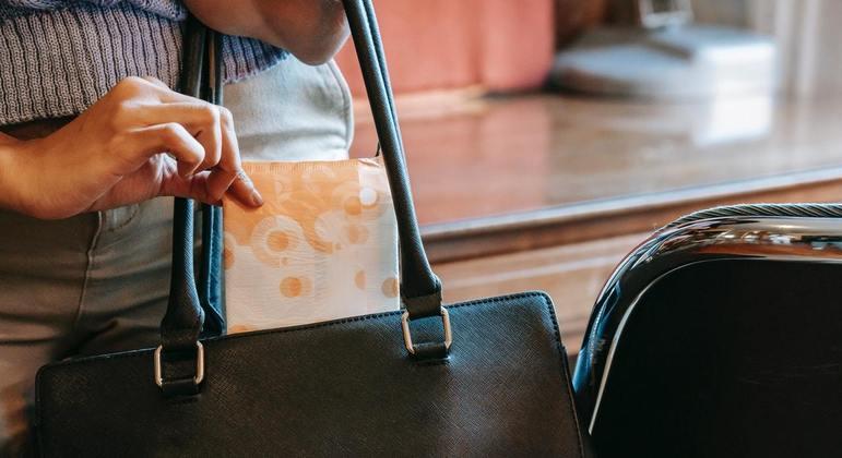 Campanha da CPTM arrecadou kits com diversos objetos de higiene para mulheres