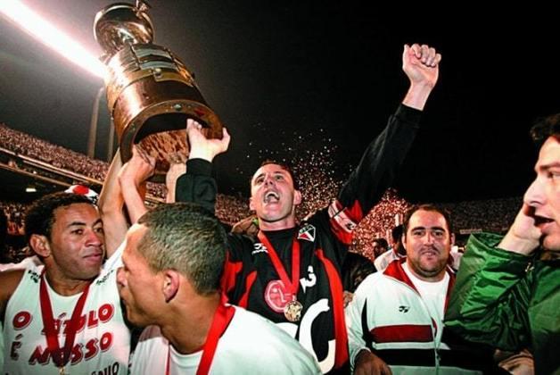 Campanha do São Paulo na Libertadores de 2005: o São Paulo esteve no Grupo 3, com Universidade de Chile (CHI), Quilmes (ARG) e The Strongest (BOL). Se classificou com 12 pontos, na primeira colocação. Depois, eliminou Palmeiras nas oitavas, Tigres (MEX) nas quartas, River Plate (ARG) na semi e derrotou o Athletico-PR na grande decisão.