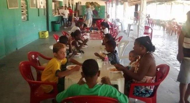 Cruz da Esperança, time de várzea na zona norte de SP, realiza festa para crianças
