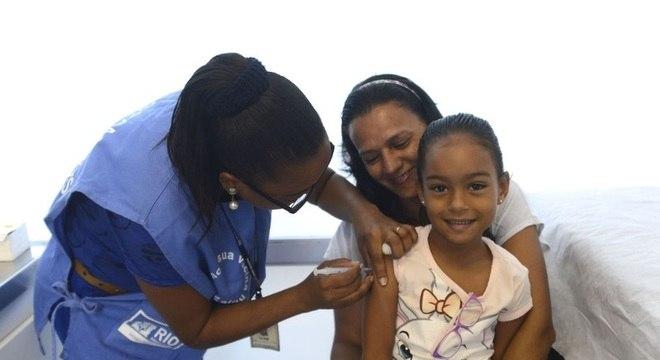 Campanha nacional de vacinação contra o sarampo e a polio começa na segunda