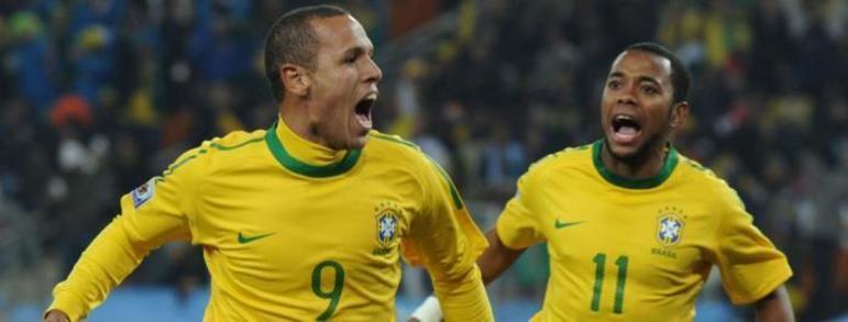 Campeão da Copa América de 2004 e da Copa das Confederações de 2009, LUIS FABIANO balançou as redes 28 vezes pela Seleção Brasileira.