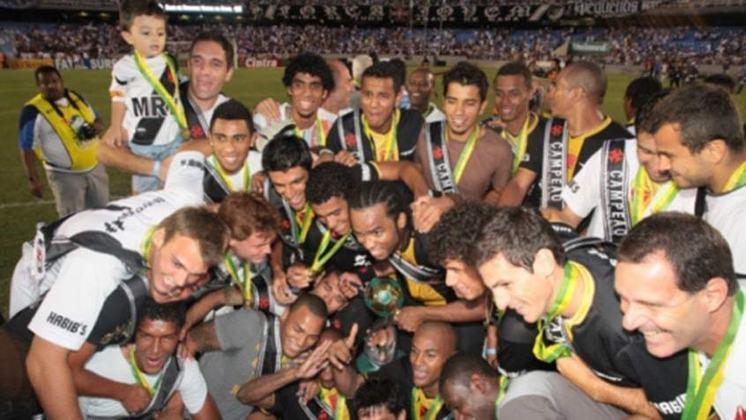 Campeão da Série B de 2009, o Vasco passou por instabilidade no seu início na competição. Após três vitórias iniciais, amargou uma derrota e passou por uma sequência de quatro empates (em três consecutivos não balançou as redes). O aproveitamento foi de 54,2%. Depois, engatou para a conquista, na qual somou 76 pontos.