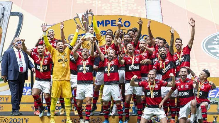 Campeão da Supercopa 2021: Flamengo venceu o Palmeiras nos pênaltis para conquistar o bicampeonato.
