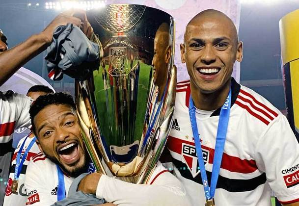 Campeão Paulista (2021) - Para encerrar os títulos, a LG estampou o máster pontualmente na final do Paulistão. Vitória do São Paulo em cima do Palmeiras e fim do jejum de quase nove anos sem títulos.