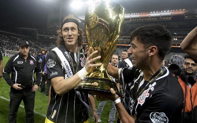 Campeão paulista em 2017, seu 5° troféu pelo clube.