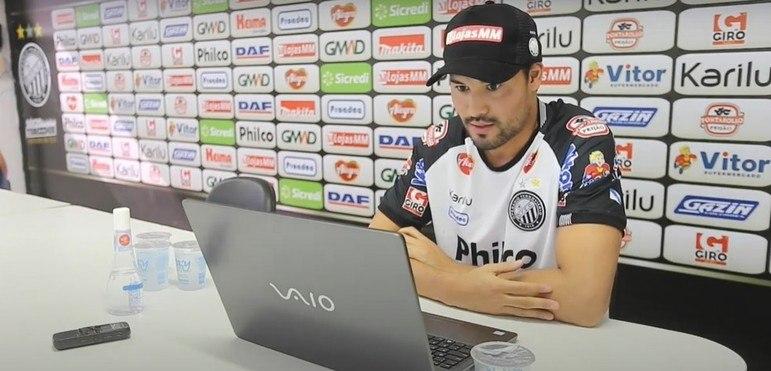 Campeão pelo Coritiba e pelo Cruzeiro e com passagens por clubes como Vasco, Vitória e Ceará, PEDRO KEN hoje defende o Operário-PR na Série B