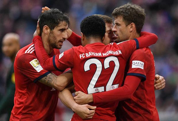 Campeonato Alemão: Bayer Leverkusen x Bayern- Sábado, 10h20 (ao Vivo) Fox Sports - Este jogo é decisivo para o título. O Bayern (foto)  lidera com 67 pontos e vai manter confortável liderança se cravar a quarta vitória seguida depois da volta dos jogos. Mas neste sábado fará o seu jogo mais difícil nesta reta final. O Leverkusen vem muito bem com 56 pontos, está em quinto lugar (mesma pontuação do quarto colocado M`Gladbach) e esta posição vale vaga na Champions.