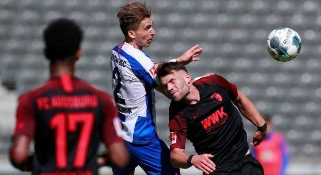 Hertha Berlin bate Augsburg em rodada do Campeonato Alemão, neste sábado (30)