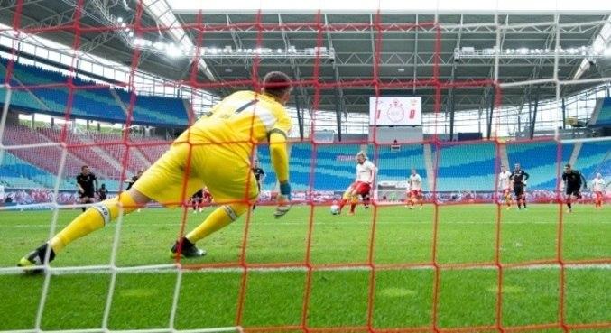 RB Leipzig segue na luta no Campeonato Alemão por vaga na Liga dos Campeões