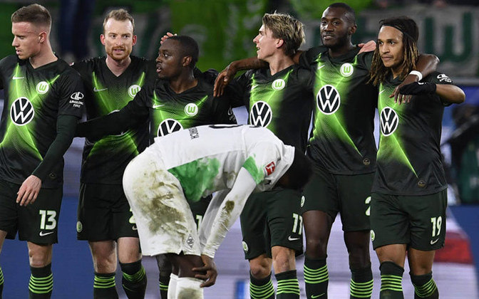 Campeonato Alemão: Werder Bremen x Wolfsburg - Domingo, 8h25 (ao Vivo) Fox Sports - Em penúltimo lugar, o Werder venceu apenas dois jogos nos últimos dez duelos e precisa de sucesso neste domingo ou vai seguir com muito risco de rebaixamento. O Wolfsburg  (foto) é o sexto com 42 pontos e vai se manter na zona da Liga Europa se vencer.