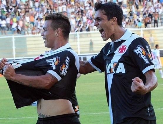 Campeonato Carioca 2015: Cabofriense 0x2 Vasco - no Moacyrzão, em Macaé - Gols: Marcinho e Bernardo.