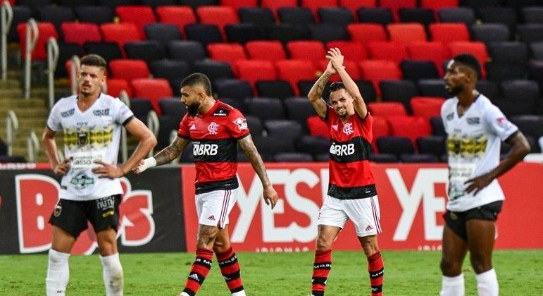 Michael marcou o primeiro gol do Flamengo contra o Volta Redonda