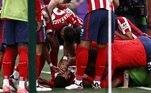 O atacante uruguaio Luis Suárez chorou após marcar na vitória do Atlético de Madrid sobre o Valladolid por 2 a 1, neste sábado (22), que garantiu o 11º título do Campeonato Espanhol na última rodada do torneio para a equipe da capital. Após a partida, o jogador fez um desabafo emocionado no qual revelou mágoa do Barcelona, clube que deixou na temporada passada.