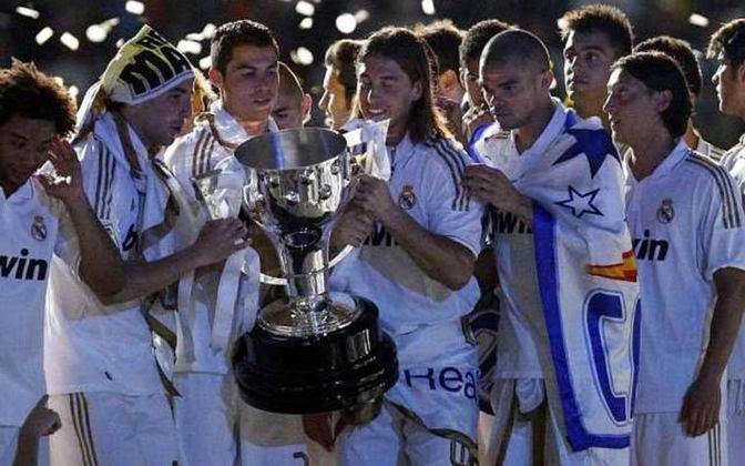 CAMPEONATO ESPANHOL - Conquistou dois campeonatos espanhóis, na disputa acirrada e histórica com o Barcelona de Lionel Messi. Faturou as edições de 2011-12 e 2016-17.