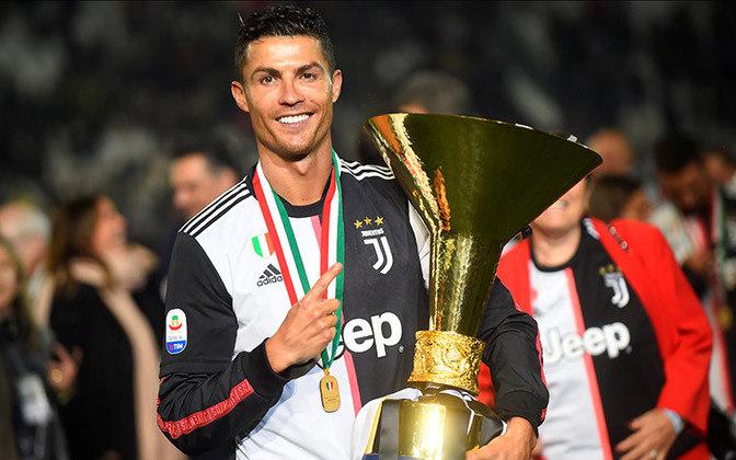 CAMPEONATO ITALIANO - Logo em seu primeiro ano na Juventus, Cristiano Ronaldo conquistou o Campeonato Italiano edição 2018-19, repetindo a dose recentemente, na edição 2019-20.