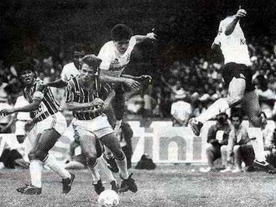 Campeonato Paulista 1987 - São Paulo x Corinthians - campeão: São Paulo. O Tricolor venceu o rival na decisão. Vitória por 2 a 1 na ida e empate sem gols na volta.
