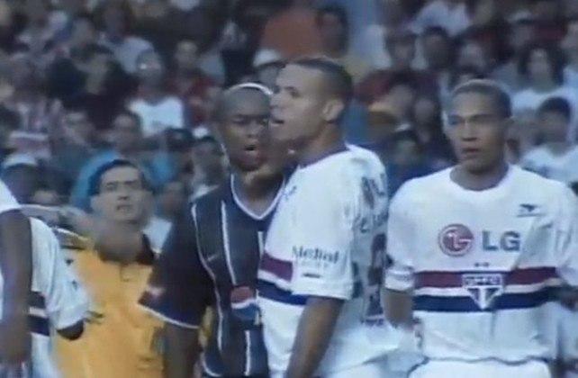 Campeonato Paulista 2003 - São Paulo x Corinthians. Campeão: Corinthians. O Alvinegro venceu os dois jogos por 3 a 2 e conquistou o caneco do estadual.