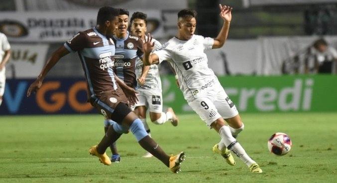 Corinthians e Santos disputaram clássico neste domingo (25), na Vila Belmiro
