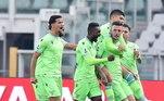 A Lazio garantiu a virada mais impressionante da temporada do Campeonato Italiano até agora ao marcar duas vezes nos acréscimos para vencer o Torino por 4 x 3 neste domingo. Foi uma vitória importante para a Lazio, que tem mostrado dificuldades para encontrar sua melhor forma, e um forte golpe para o Torino, que tem apenas um ponto em cinco jogos