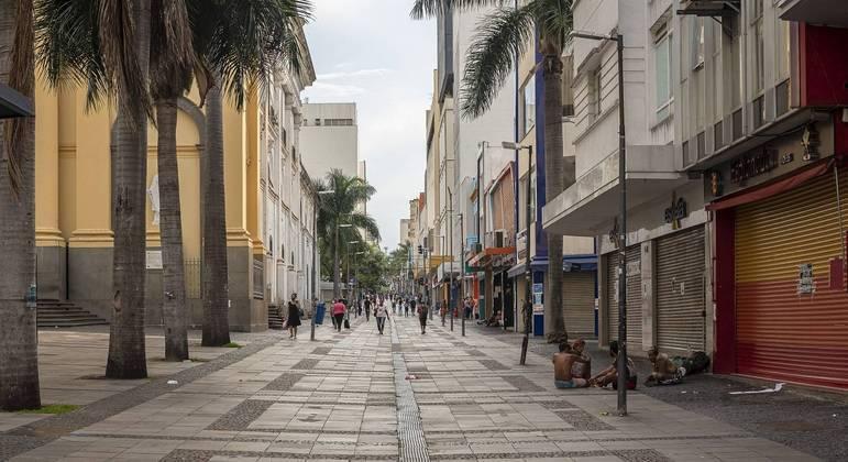 Movimentação na rua 13 de maio, no centro de Campinas