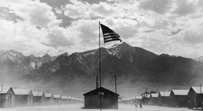 Os Matsumuras foram forçados a deixar suas casas em 1942 e foram presos em Manzanar