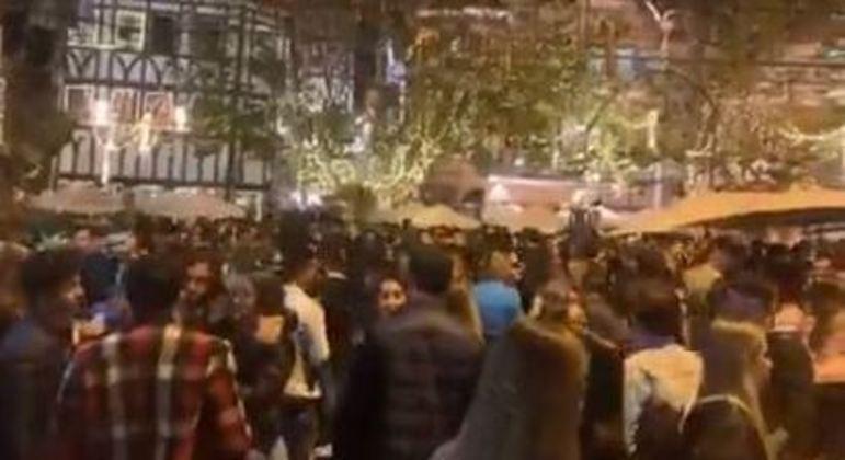 Mais de 50 estabelecimentos são fiscalizados em Campos do Jordão após aglomeração