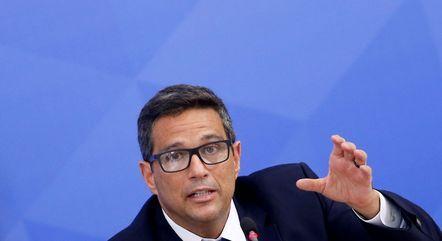 BC vai adotar medidas para aumentar segurança do Pix, diz Campos Neto