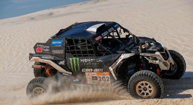 Vencedora das últimas oito edições do Sertões, a marca está renovando o apoio à equipe Can-Am Monster Energy Divino Fogão Rally Team com a família Varela