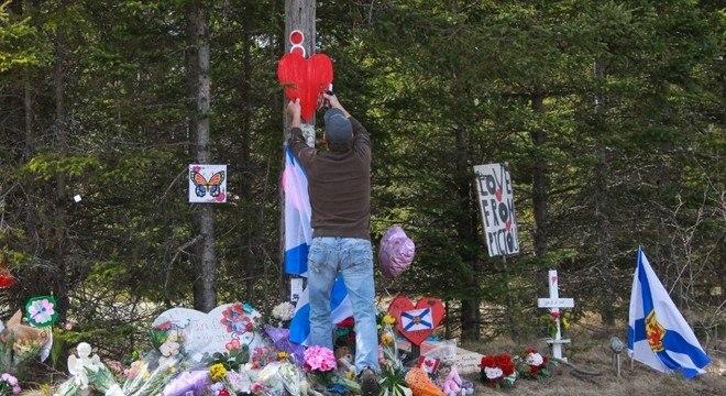 Moradores de Nova Escócia fizeram um memorial para as vítimas do ataque