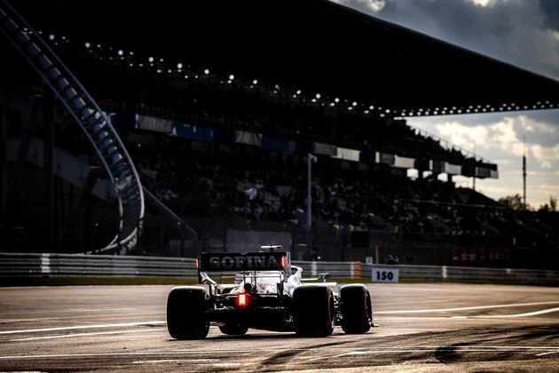 Canadense acelera na reta principal de Nürburgring
