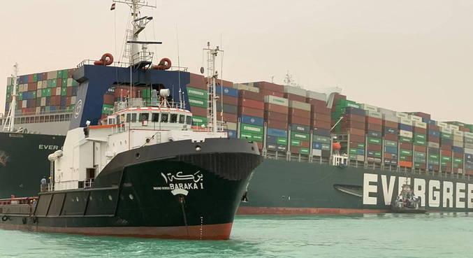 Cargueiro gigante bloqueou passagem de Canal, importante no comércio marítimo