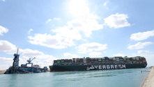 Rebocadores são chamados para desbloquear Canal de Suez