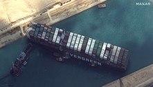 Fracassa a primeira tentativa de desencalhar navio no Canal de Suez