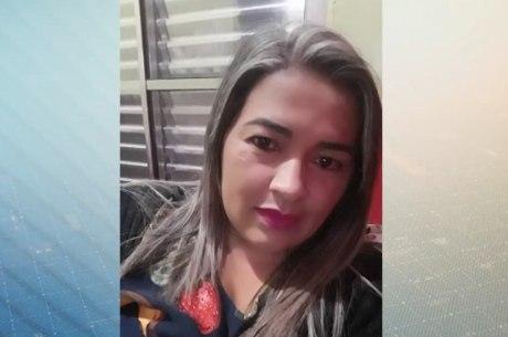 Vítima foi encontrada morta com nove tiros