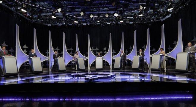 Candidatos a presidente em debate organizado pelo SBT.
