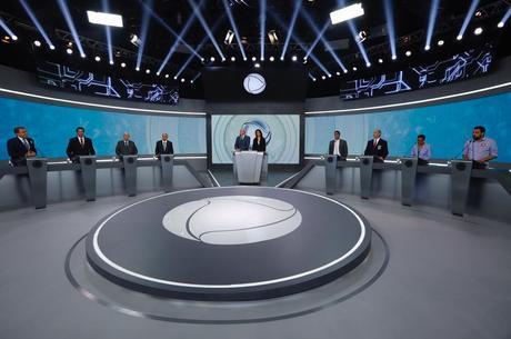Oito candidatos participaram do debate presidencial
