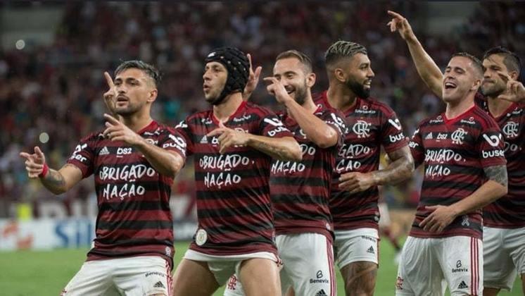 CANECOS - Em relação ao Campeonato Brasileiro, criado em 1981, o Flamengo igualou ao Corinthians como o maior vencedor (sete vezes). Na sequência aparecem Palmeiras e São Paulo, com seis.