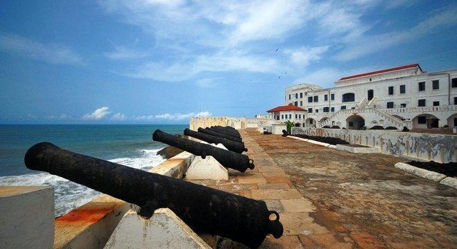 Fortes na costa de Gana tiveram papel fundamental no comércio de ouro e depois no tráfico de escravos