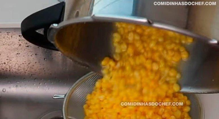 Canjica Amarela com Leite Condensado