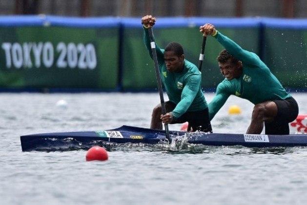CANOAGEM - Isaquias Queiroz e Jacky Godmann estrearam na canoagem de velocidade. A dupla se classificou para a semifinal da categoria C-2 1.000m após terminar a prova classificatória com o tempo de 3m48s611.